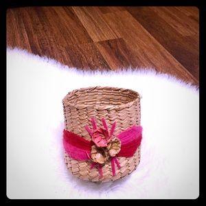 🦋2/$10 3/$15 4/$18 5/$20Vintage Polynesian Basket